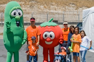 VeggieTales' Tom & Larry photo op